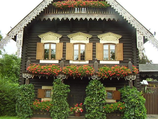 Дървени къщи: стил, дизайн, както и външни облицовки, снимки