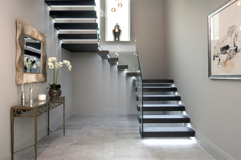 How- to- arrange- lighting- on- the- stairs- in- your- house-222