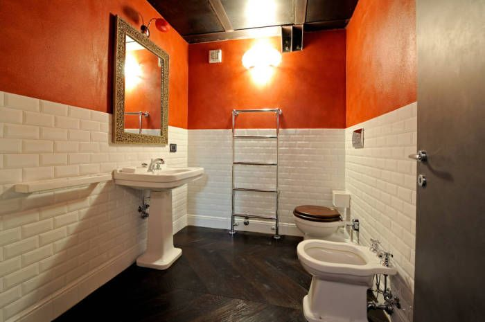 Even unusual bathroom can be ergonomic.