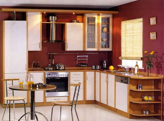 A great option to issue the kitchen interior with contrast burgundy.