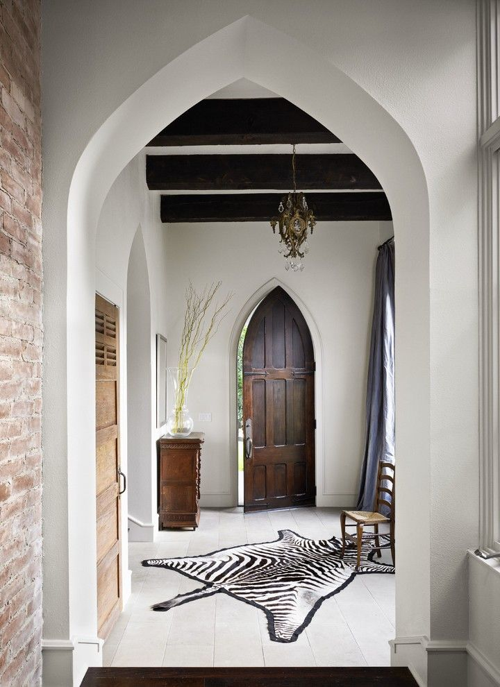 Arches in the interior of the house or apartment