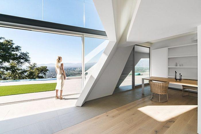 снежнобял къща: асиметричното геометрията на Холивуд Хилс
