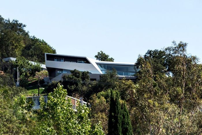 MU77 - a house in the Hollywood Hills.