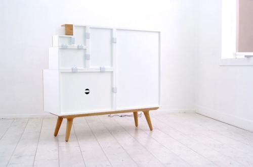 Modular cabinet in white execution