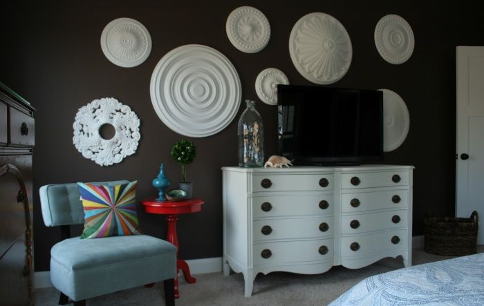 Gypsum decor will fit almost any decor.