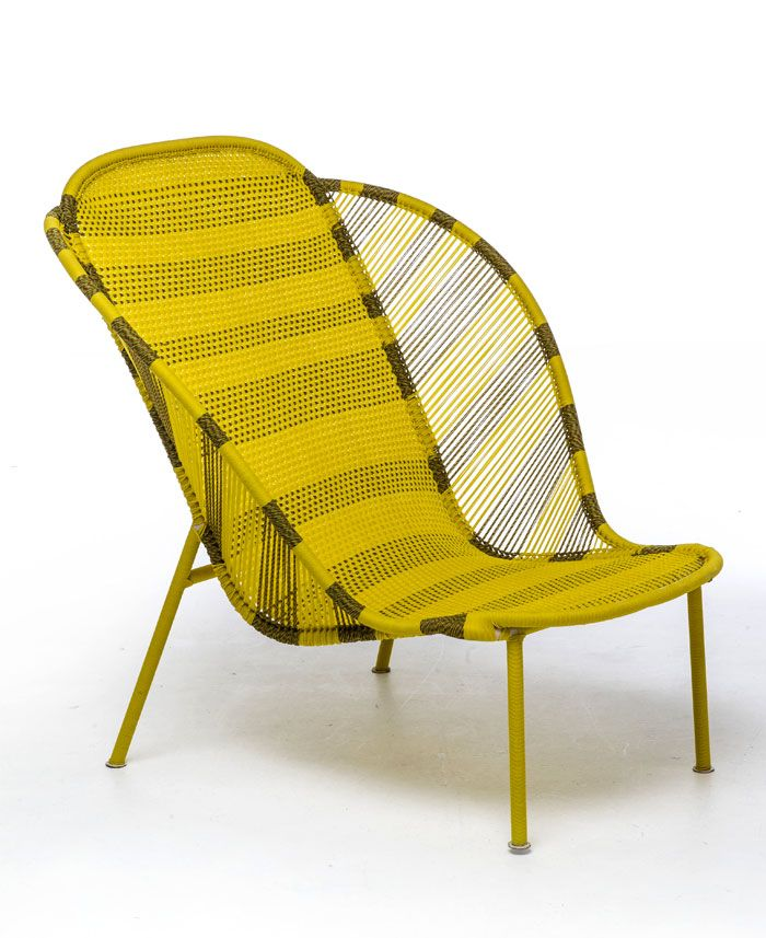 Dacha outdoor furniture: a bright yellow chair-couch - Photo 1