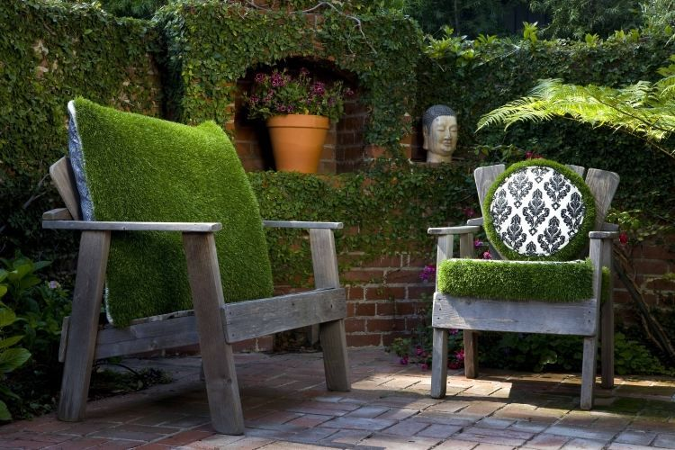Wonderful covering items for the garden of moss