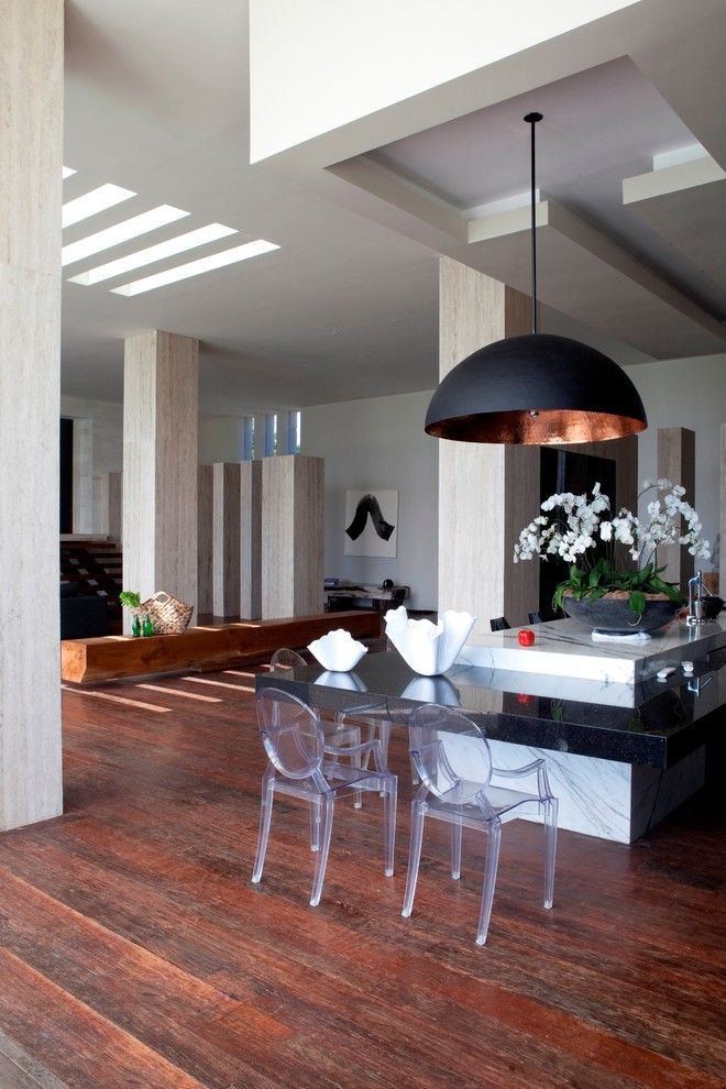Black pendant light in the interior of the living room from the Seriously Designed
