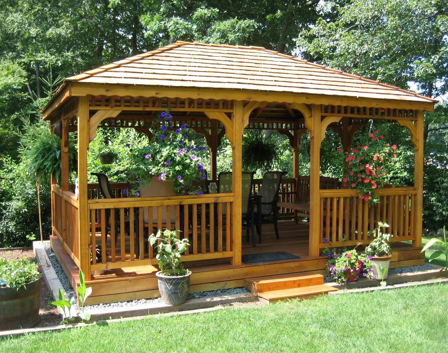Дървена беседка за градината и терасата