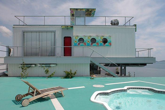 В съответствие с морската тема: къща в Koktebel