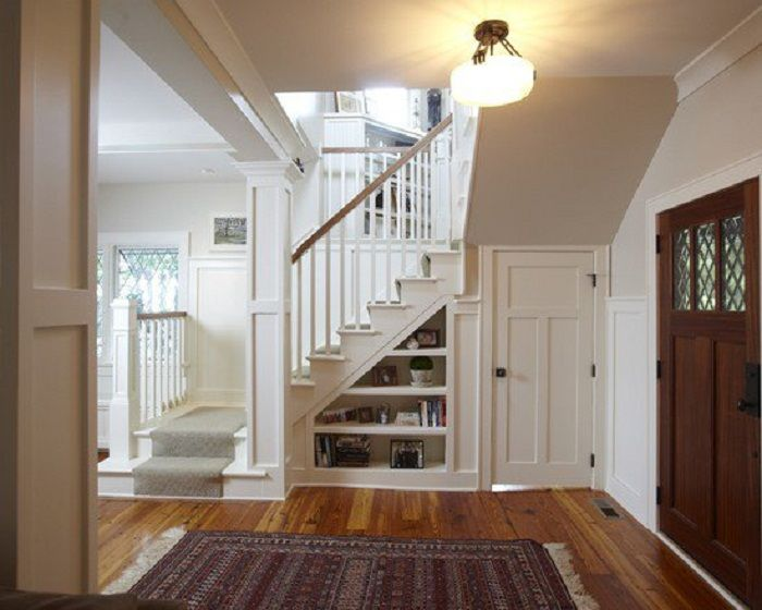 Just a cool solution for the decoration of the space under the staircase that looks very interesting and practical.