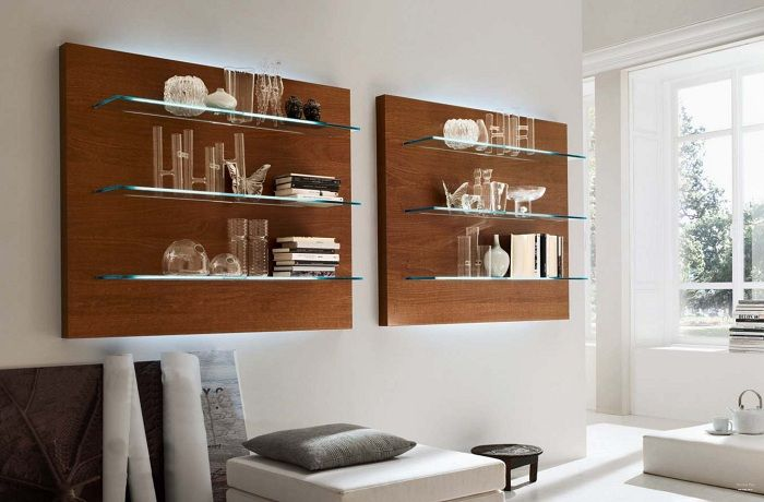 A perfect example of design the interior of the room by a shelf that will impress.
