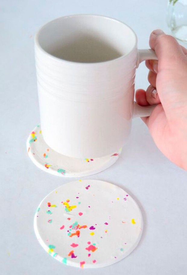 15 quick and easy ideas for how to make coasters with their hands