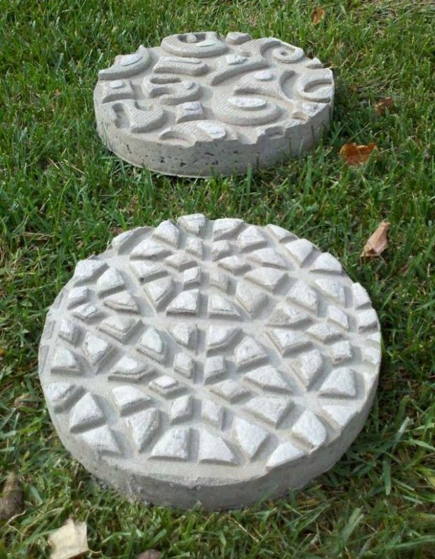 How to make paving tiles with their hands?