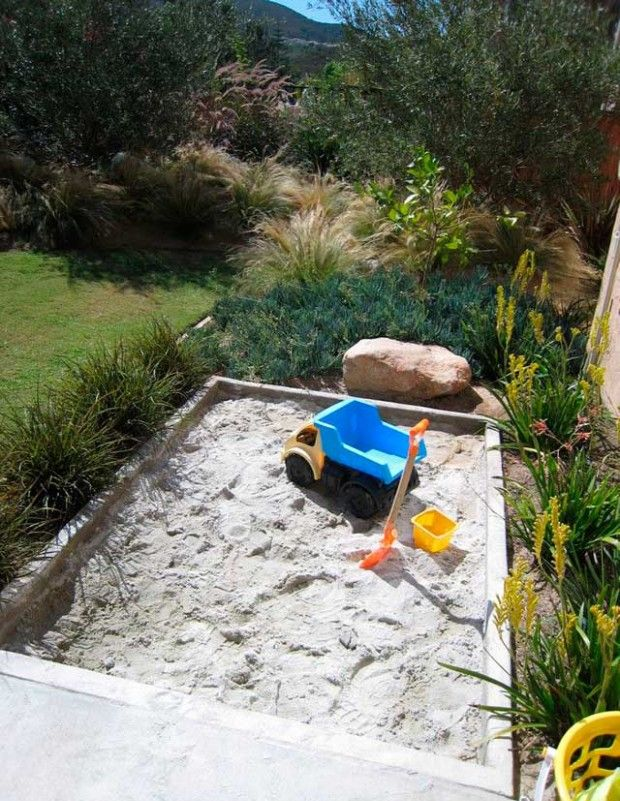 How to Build a sandbox with your hands?