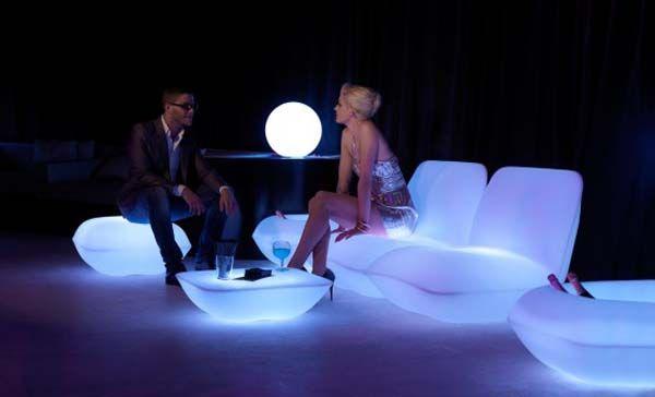 Високотехнологичните мебели Vondom Възглавница Patio от Stefano Giovannoni