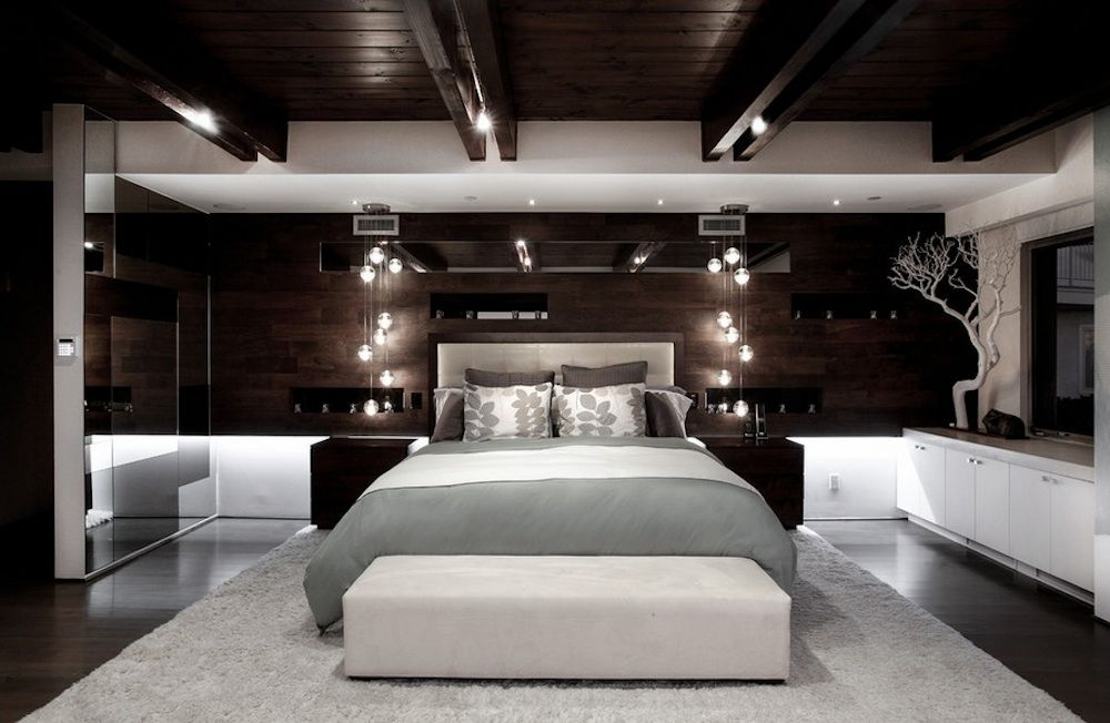 Natural lighting in the interior of the bedroom