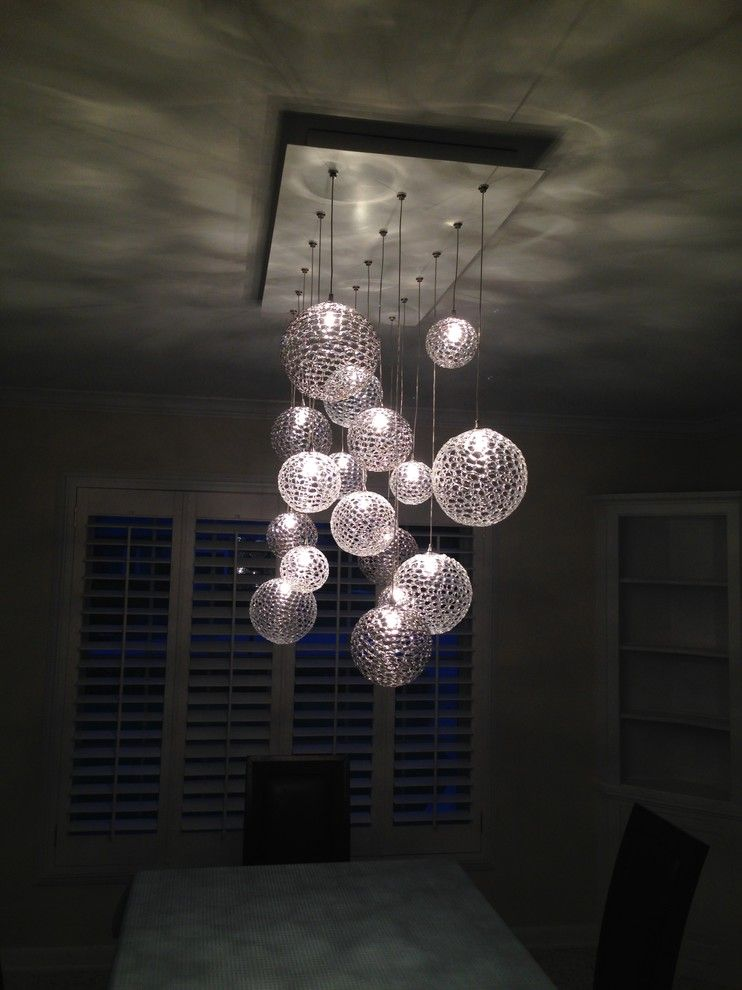 Suspended spherical lamps
