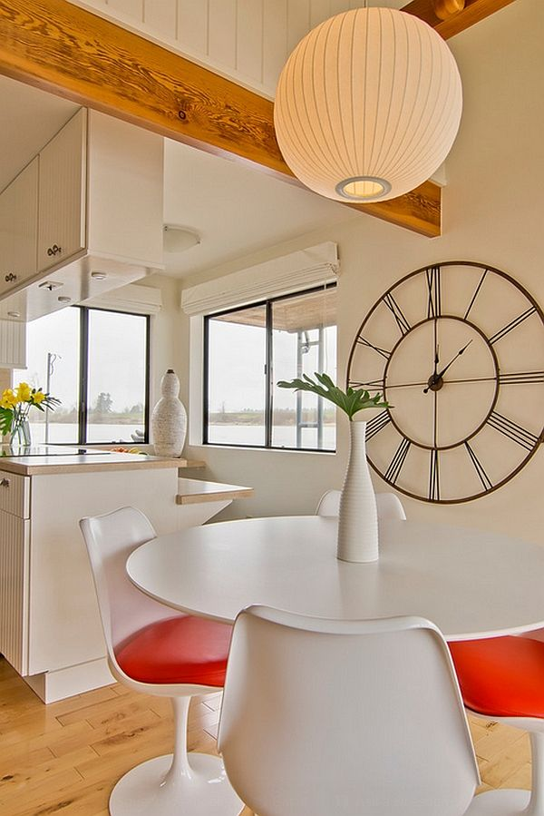 The bright dining room with powerful accents