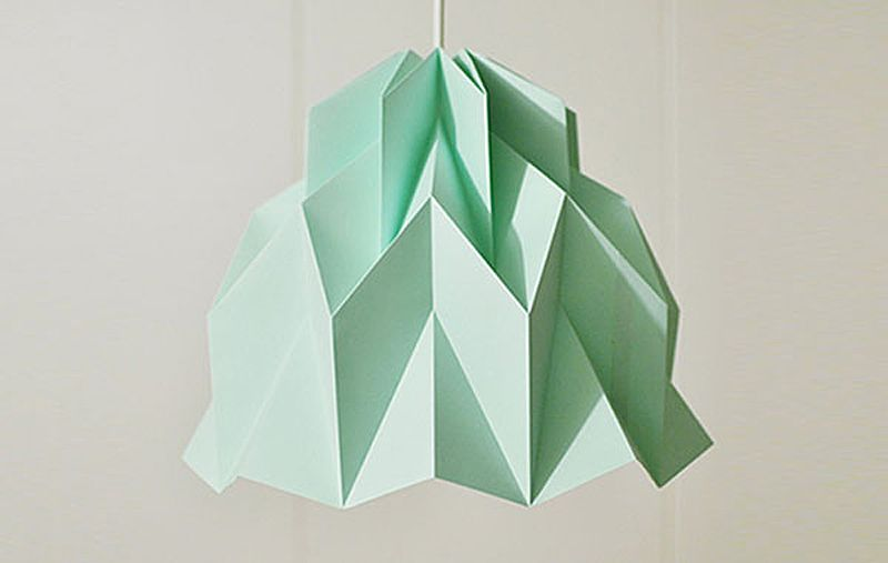 Creative pendant light in the form of origami