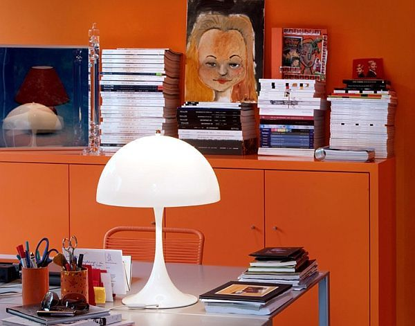 Table lamp for comfortable reading