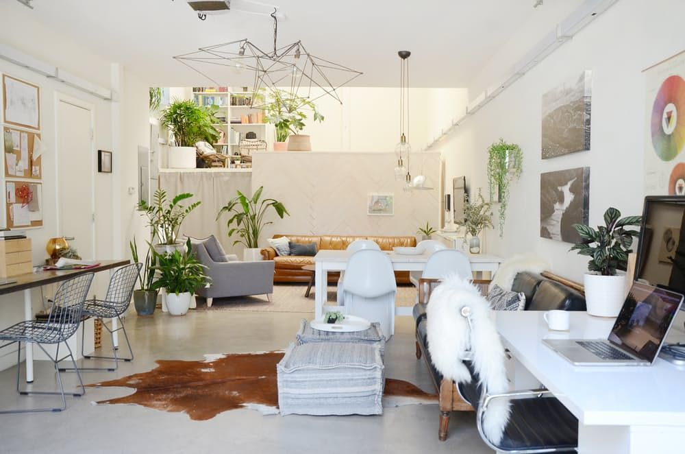 Мебели за тавана. Фото спалня, хол и кухня