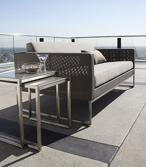 Мебели за открита тераса. Увеличава комфорта на останалите