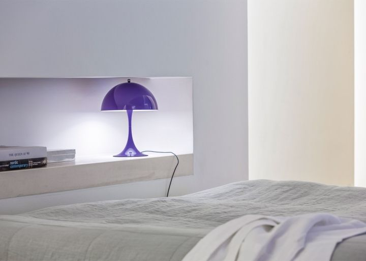 Glossy fashion table lamp in purple color