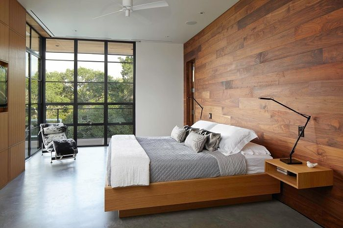 Steep example of interior decoration bedroom by using the original bed.