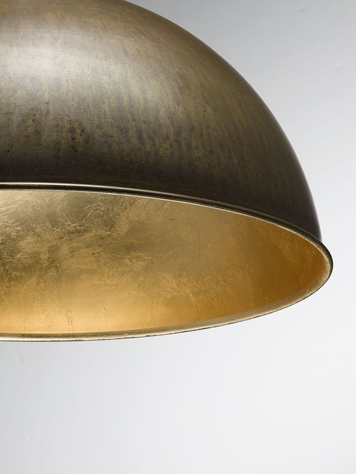 Gold foil in the internal decoration of the ceiling lamp Galileo