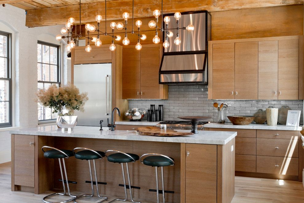 Pendant lamps in the kitchen interior