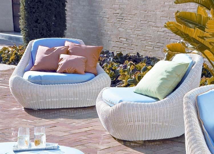 Wicker мебели за градината и двора. Нейните предимства и недостатъци