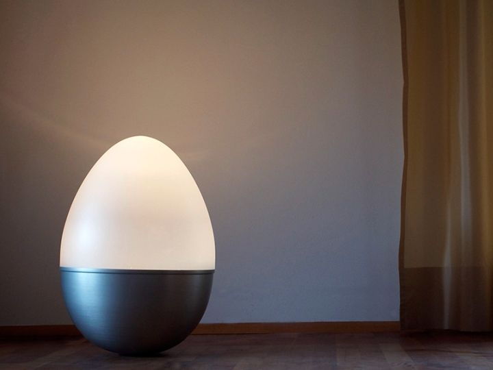 A beautiful lamp in the form of eggs, dolls from Isabel Heubl