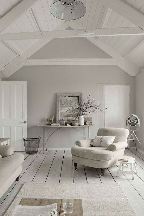 Excellent interior room in a light gray that looks just great.