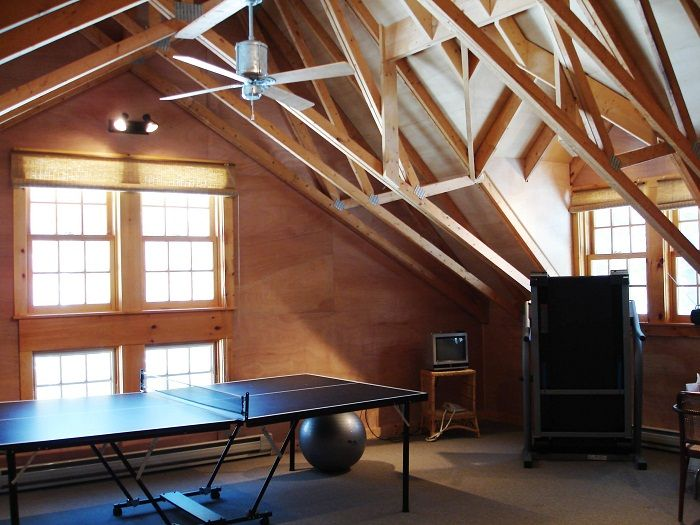Room for table games, which were placed under the attic, enjoy and create a cool mood.