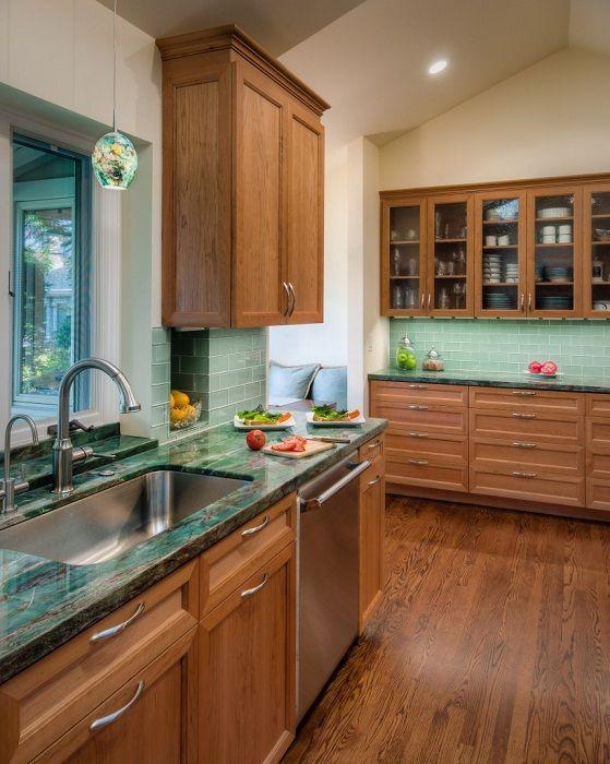 Кухня сочетание цветов фасадов и столешниц