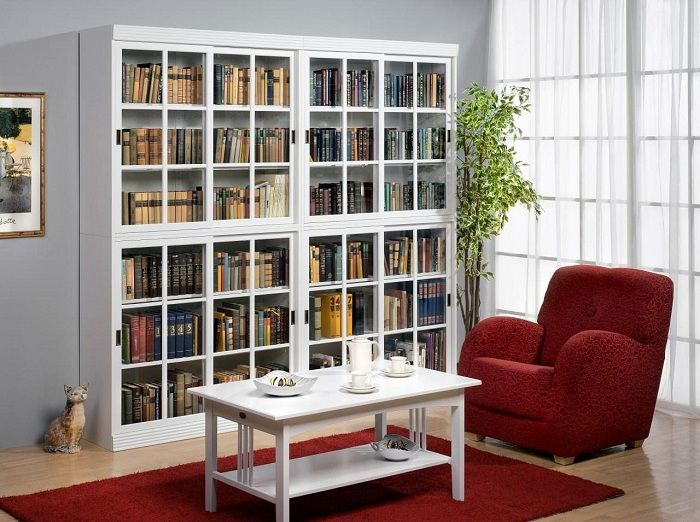 A successful solution to deliver such a nice bookcase that optimizes space.