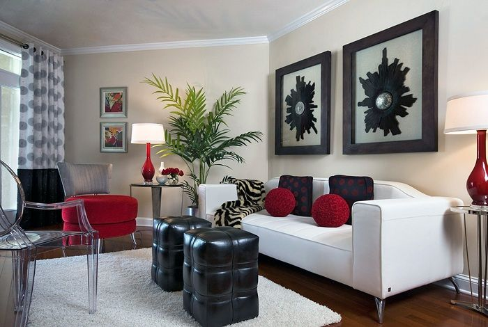 Perhaps one of the best options to decorate the interior of the tiny living room in a classic color scheme.