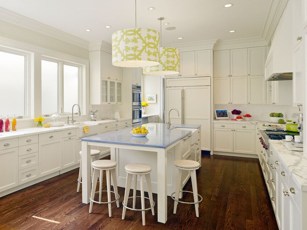 Hanging chandeliers with bright print in the interior of the kitchen