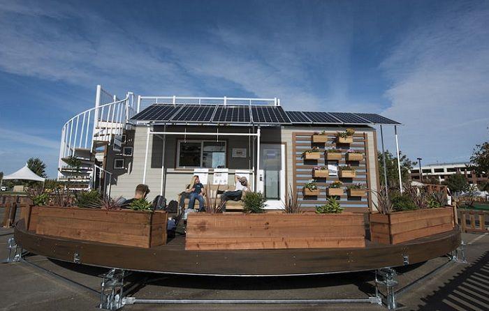 Зелена къща технологична платформа, въртяща се на слънцето