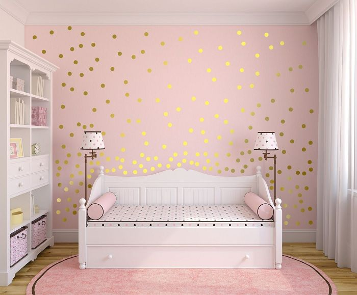 Room in gentle tones, which is decorated by golden sequins.