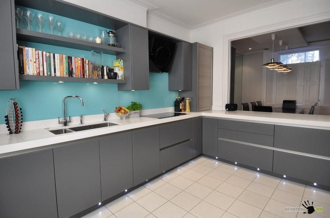 Smooth facades of kitchen cabinets