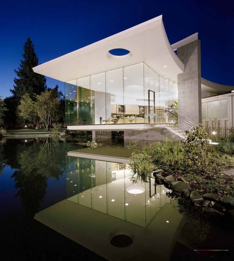 Elegant structure made of glass