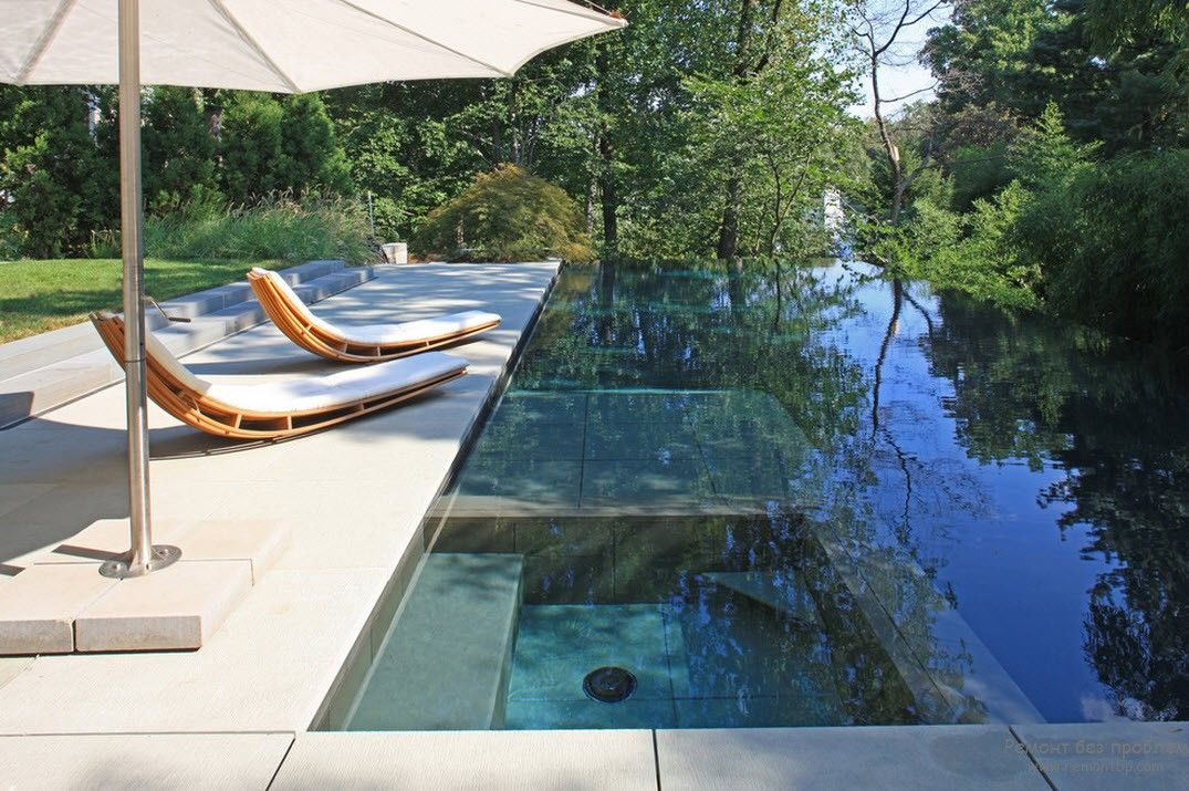 Unusually spectacular outdoor pool design
