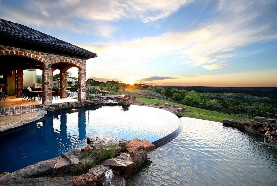 The chic design of the pool, adjacent directly to the house with a chic look