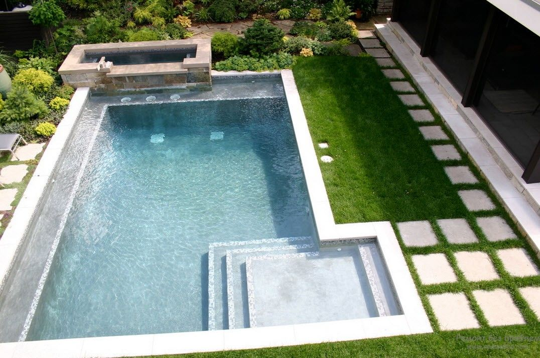 Design of a small outdoor pool