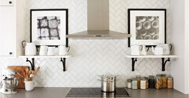 Tile hog på kjøkkenforkleet - et universelt design for hver stil