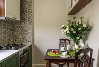 Kjøkken 7 kvadratmeter. m - foto reparasjon i ekte leiligheter